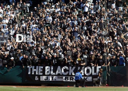 sports-raiders-black-hole