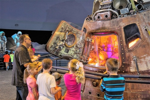houston-citypass-space-center-apollo-17-command-hull