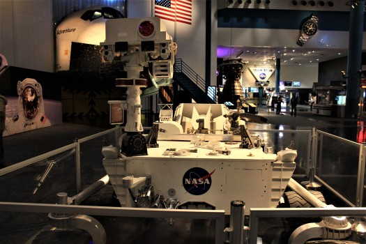 usa-houston-space-center-nasa-curiosity-rover-credit-yinan-chen.jpg